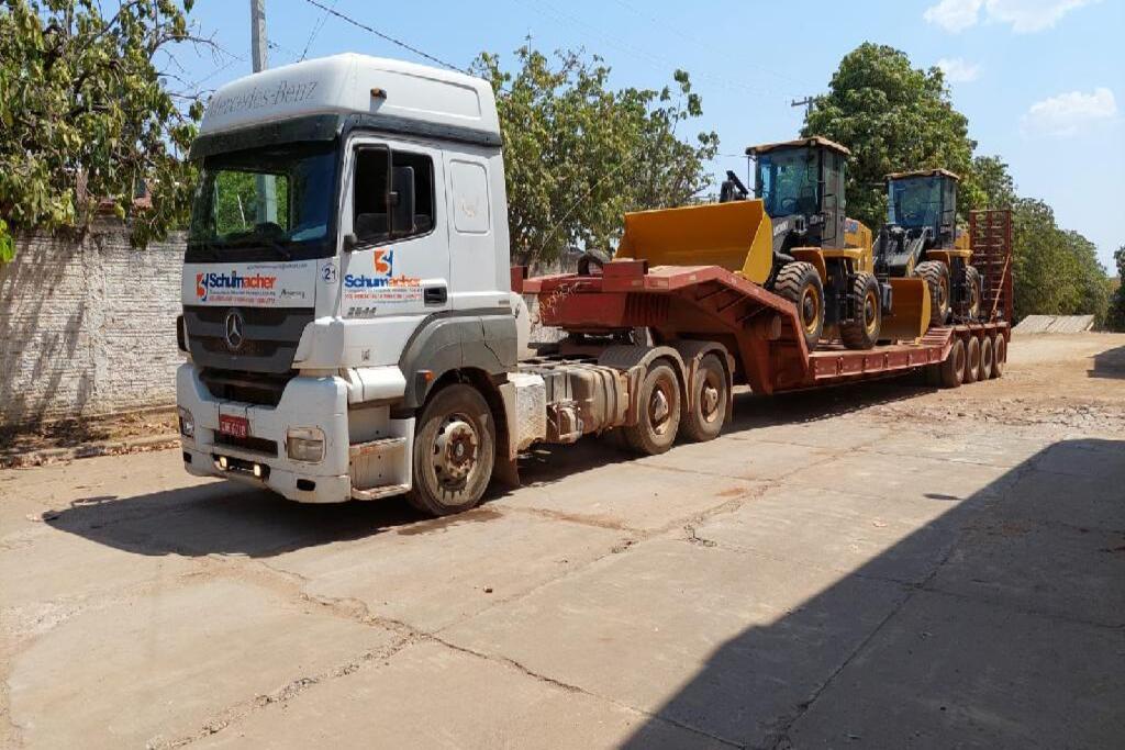 Governo envia oito maquinários para conter incêndios no Pantanal