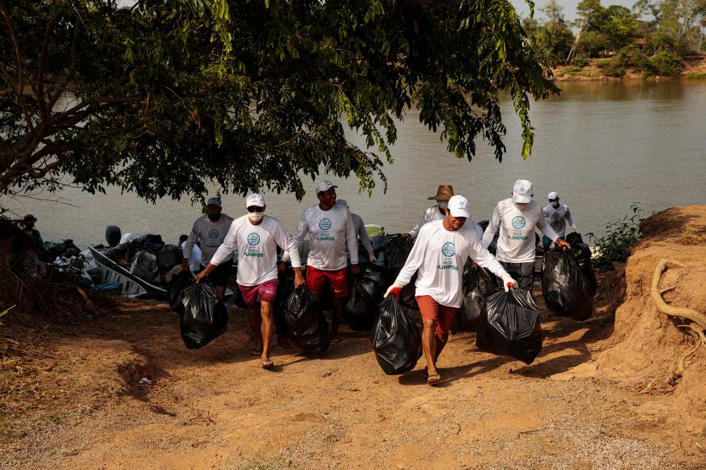 Programa Rios+Limpos retira toneladas de resíduos sólidos do Rio Cuiabá e Baías do Chacororé e Siá Mariana